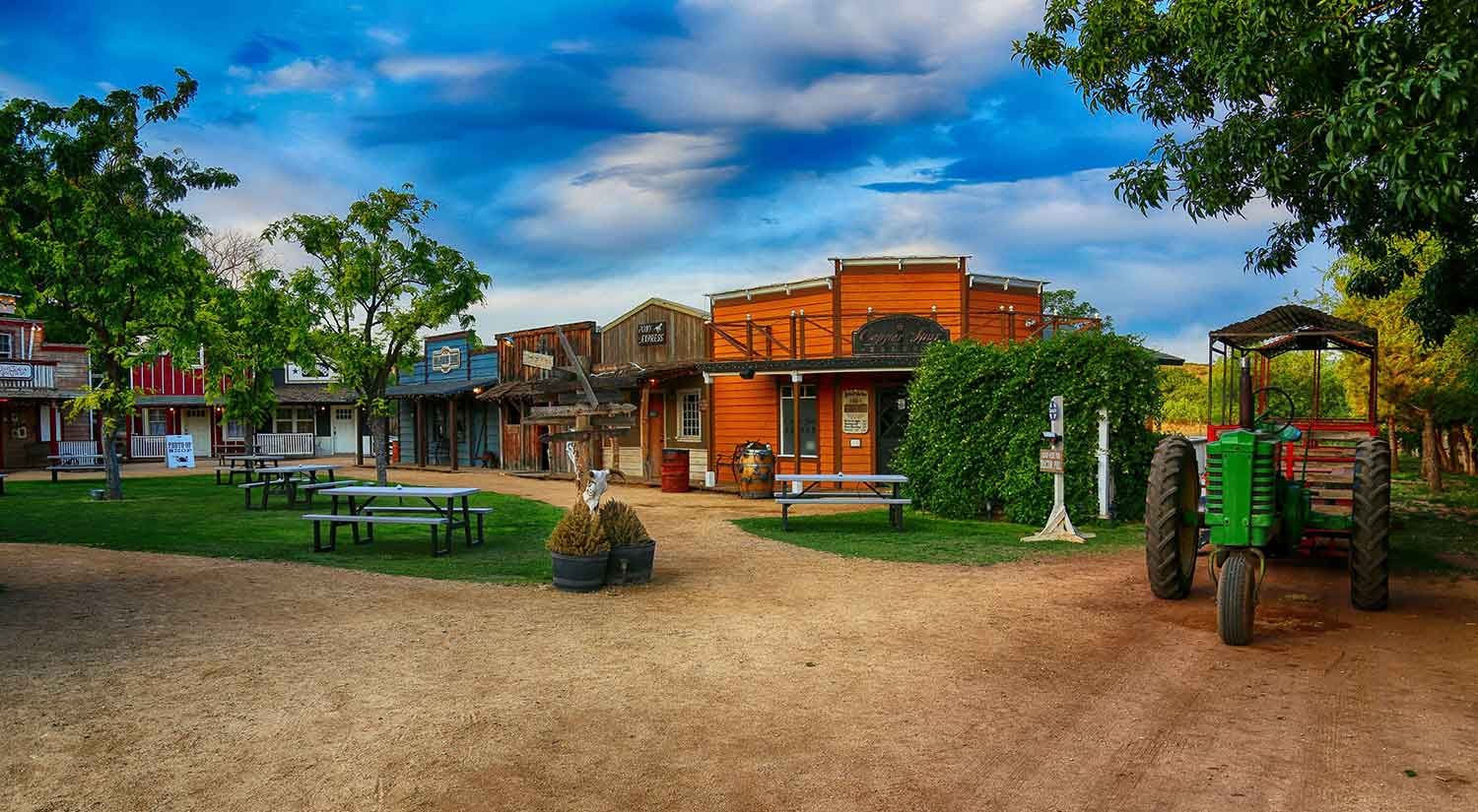 Blazin' M Ranch Western Town | Arizona Attractions